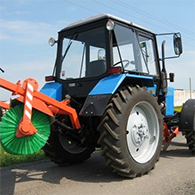Аренда трактора МЕЗ-821 с щеткой