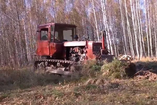 Работа бульдозера ДТ-75 с сложным грунтом