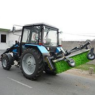 Аренда трактора с щеткой МТЗ-82