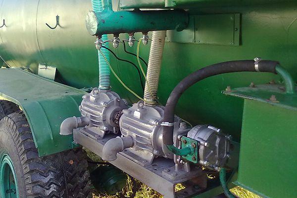 Вакуумный насос ассенизаторской машины