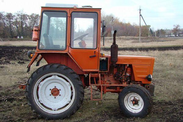 Внешний вид трактора Т-25