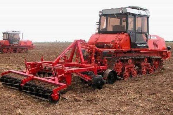Гусеничный трактор ВТ-150