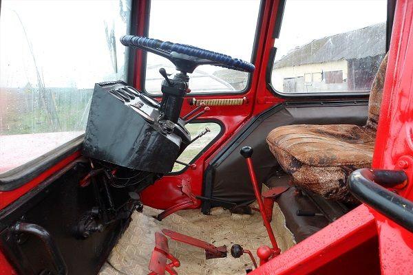 Стекло трактора ЛТЗ-55