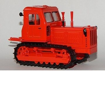 Traktor-T-4-min
