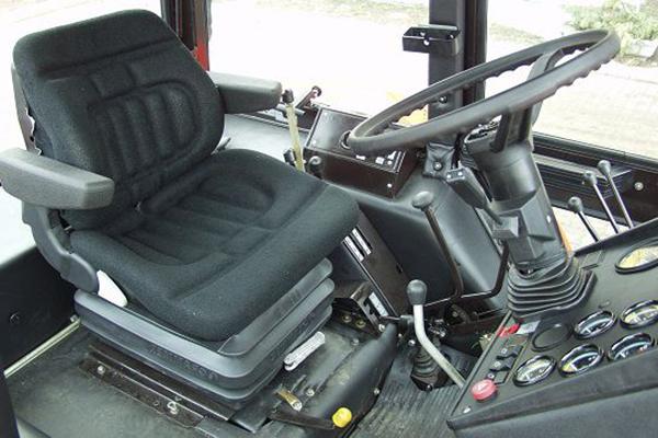 Кабина трактора МТЗ-1025