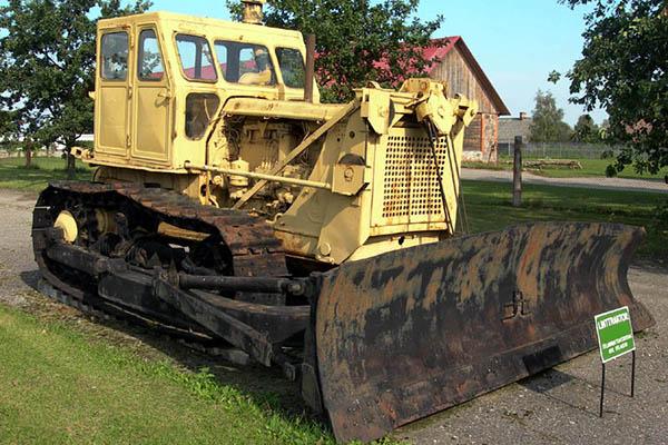 Трактор Т-100