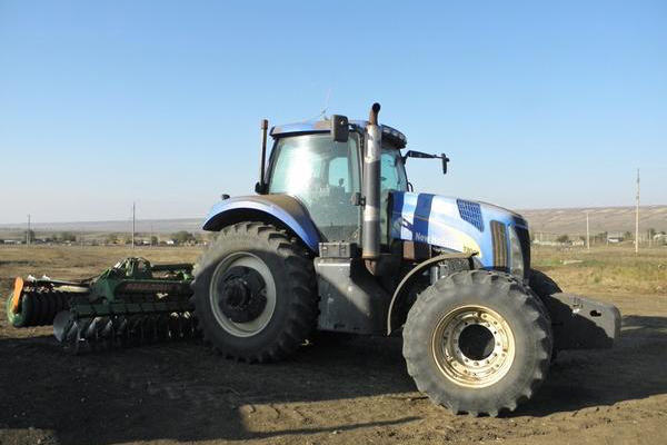 Применение трактора New Holland Т8040 в сельском хозяйстве
