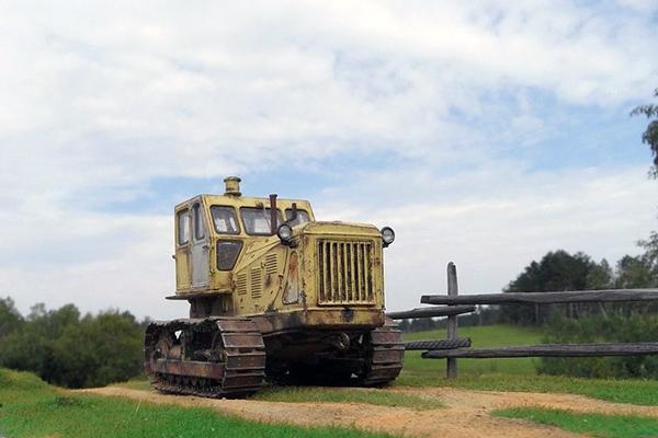 Внешний вид трактора Т-100