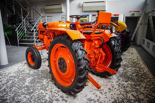 Внешний вид трактора ДТ-20