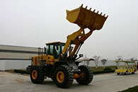 uslugi-frontalnyiy-pogruzchik-powercat-50-sdlg-956