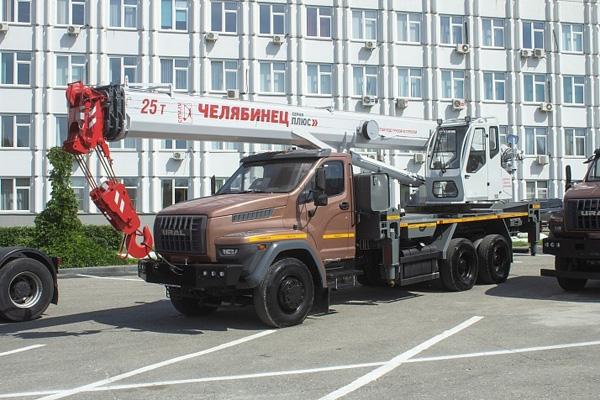 Автокран Урал-73945
